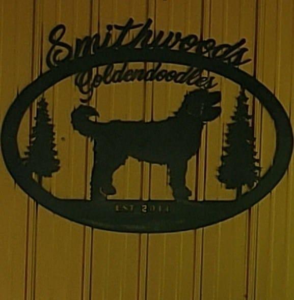 Smithwoods Goldendoodles logo